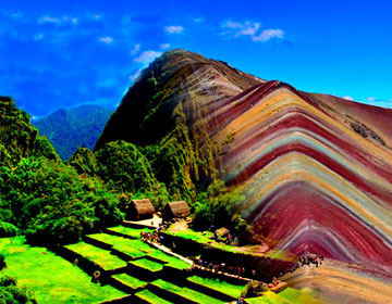 Tour Machu Picchu Huayna Picchu Sacred Valley Rainbow Mountain 3 days 2 nights